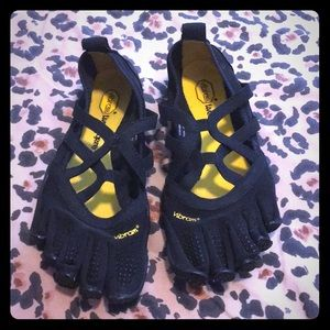 Vibram slip on yoga toe shoes